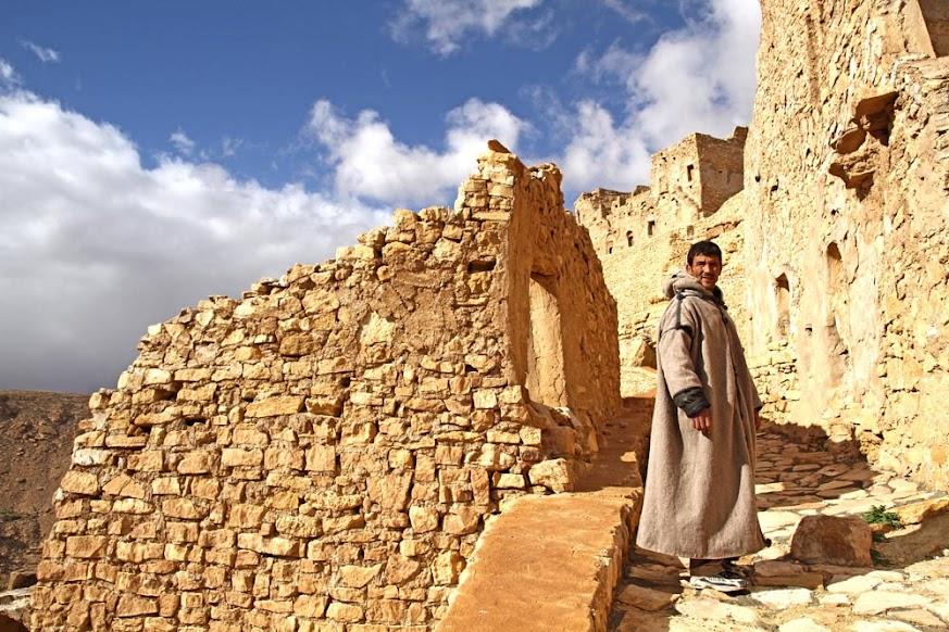 Visitar CHENINI, a aldeia berbere escondida nas montanhas da Tunísia | Tunísia