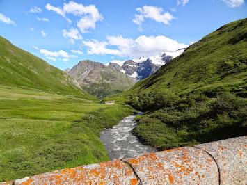 Passage sur le ruisseau de la Lenta