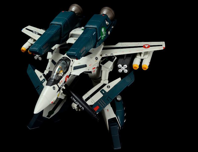 VF-1A_DYRL_Kakizaki_gerwalk_01.JPG