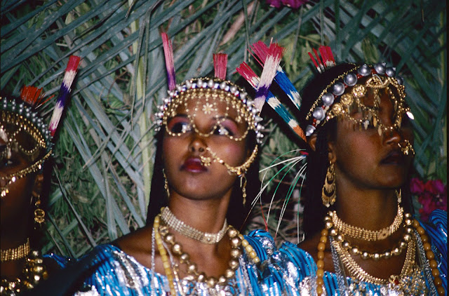 الزواج والافراح فى جيبوتى تتناغم العادات العربية والافريقية (( صور ))Djibouti  029%252520Mariage%252520afars%252520decembre%2525201990