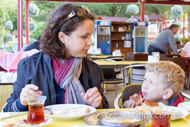 Sapanca'daki Berceste'de kahvaltı