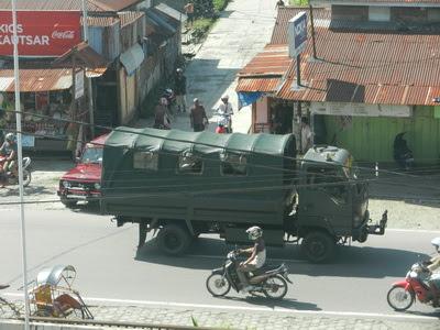 truk tni langsung bergerak