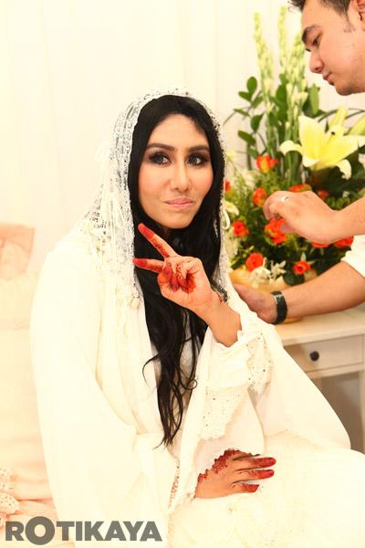 ella kahwin dengan azhar