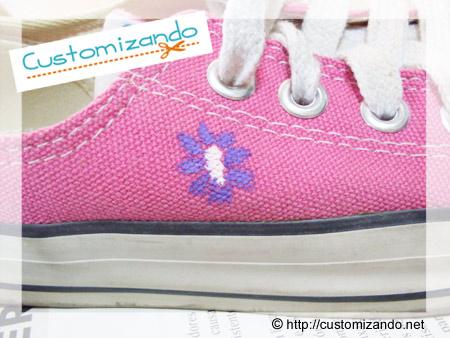 Customização de All Star cor de rosa com caneta para tecido da Compactor