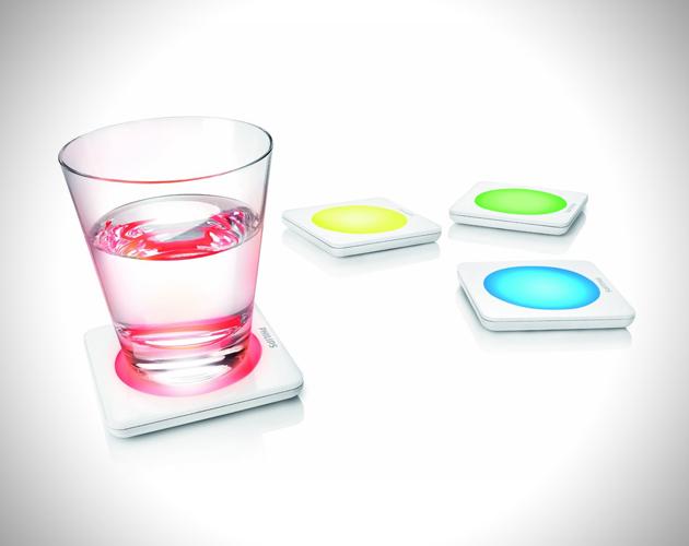 *飛利浦LED彩色變色杯墊:PHILIPS LUMIWARE LED Color Changing Coasters ! 1