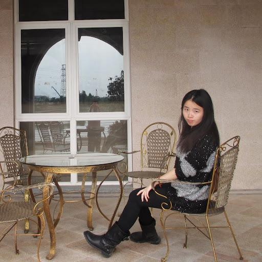 Crystal Xu Photo 17