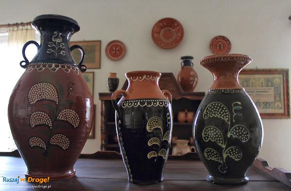Chmielno - Muzeum Ceramiki Neclów - charakterystyczne wazony