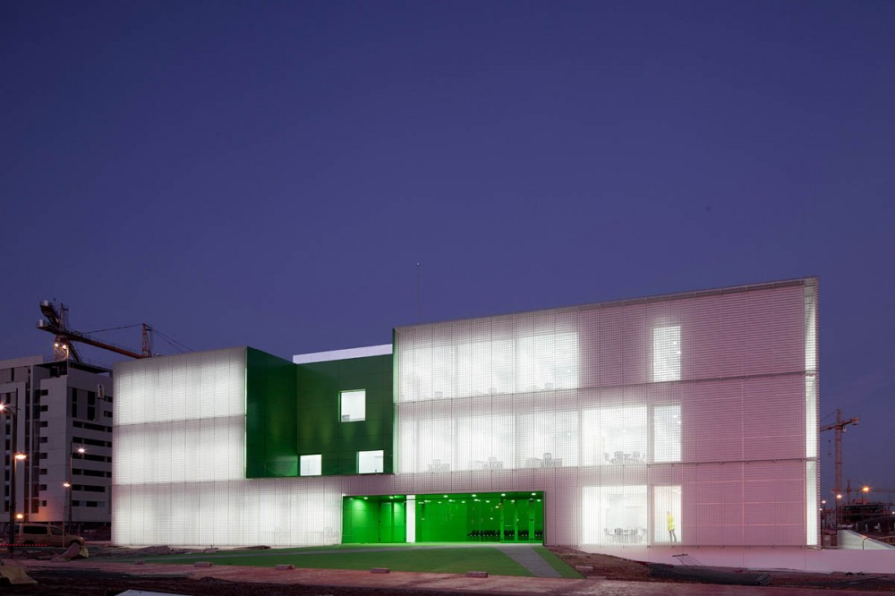 Social Services Center design by  dosmasuno arquitectos
