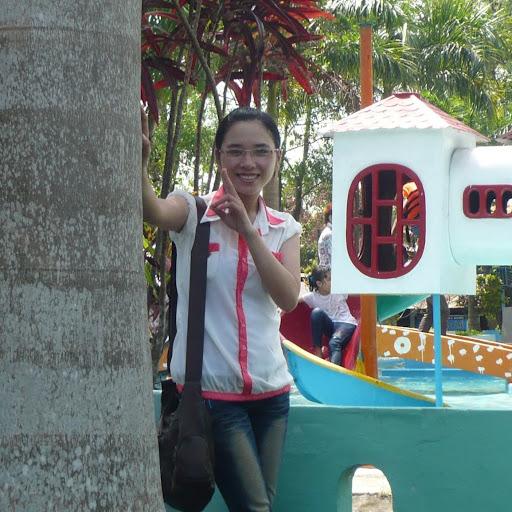 Huyen Phan Photo 26
