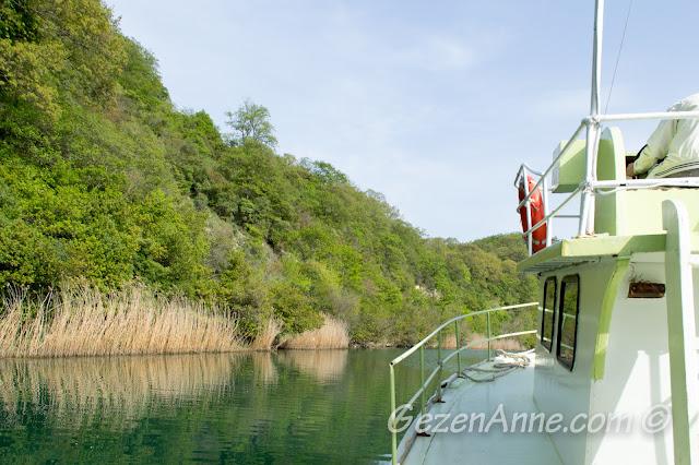 Yeşiçay deresi üzerinde tekne turu yaparken, Ağva
