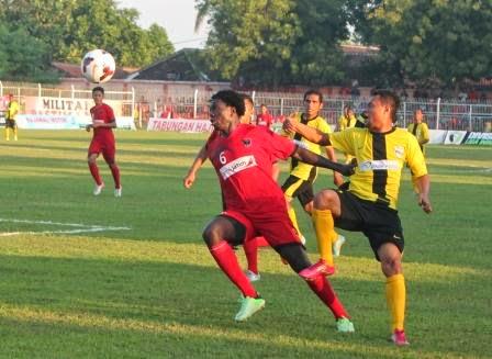 Persinga harus berjibaku menambah point saat kontra Perseman Manowari di Stadion Ketonggo Ngawi