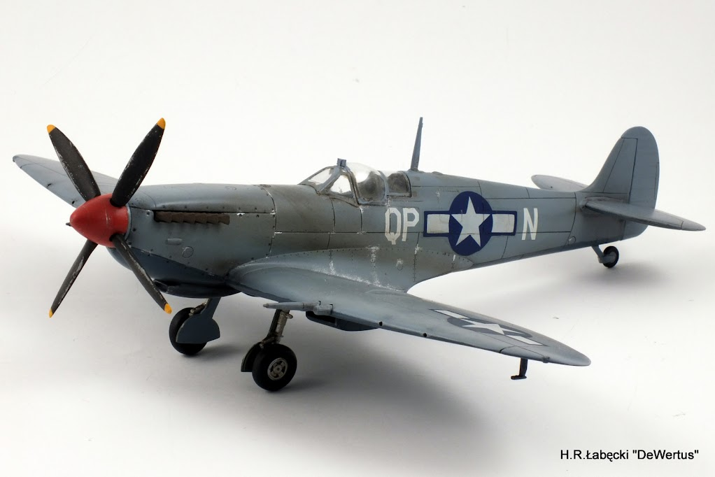 Malta/Sicily 1943; Spitfire Mk.IXc 2FS/52FG; Italeri 1/48 DSCF3817