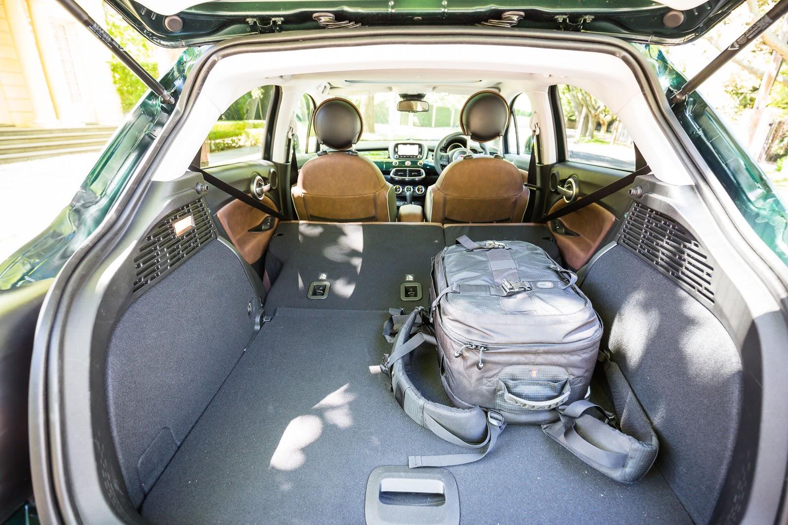 Khoang hành lý của Fiat 500X 2016 phải nói quá đã