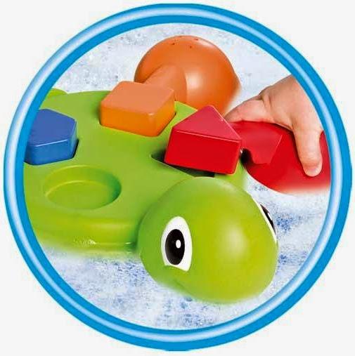 Chân và mai của Rùa mẹ có thể tháo rời để chơi khi tắm