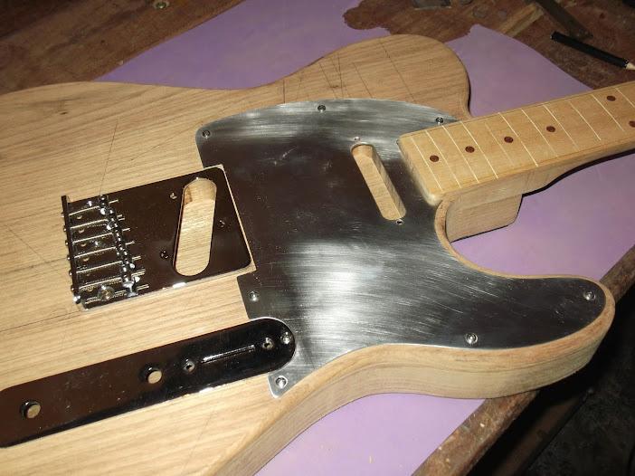 Construção guitarra telecaster, meu 1º projeto bolt on. Finalizado e com vídeo - Página 2 DSCF0856
