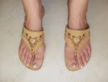 SANDALIAS MOSTAZA. Bonitas sandalias