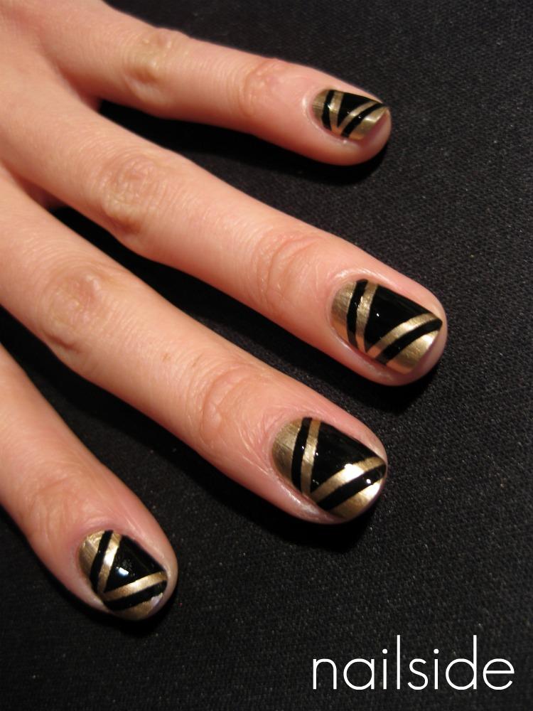Nail Art Design: Black and gold