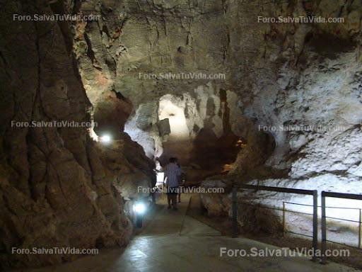 La cueva de las calaveras, Benidoleig, Alicante DSC05871