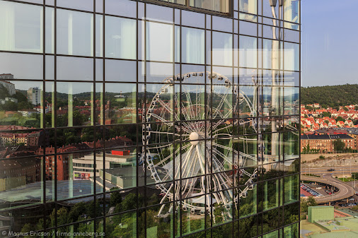 Good morning from Gothenburg! I could not resist shooting this picture of the Ferris wheel at the Liseberg...