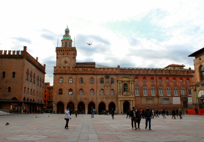 bologna main plaza