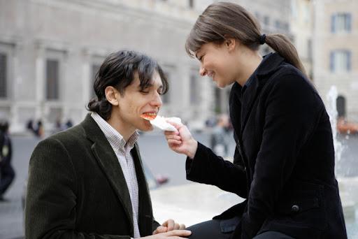 Flirt Like An Expert With Online Flirting Tips Image