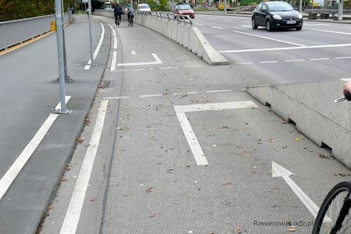 Oznakowanie przejścia dla pieszych na drodze dla rowerów.