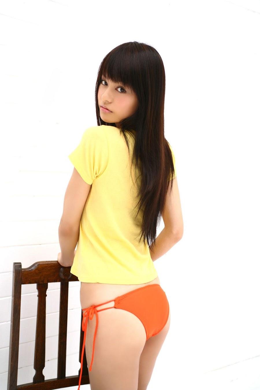 Yuriko Shiratori - sexy Japanese gravure idol and actress