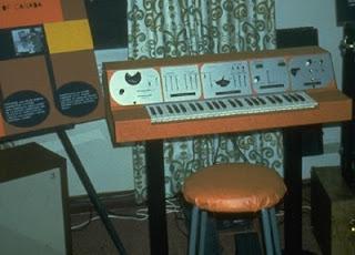 El prototipo comercial del Electronic Sackbut de Hugh Le Caine denominado Sackbut Synthesizer