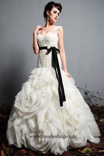 Brautmode Brautkleid Neufundland 3 4 Arm Abendkleid 2012