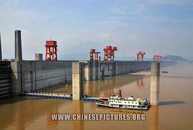 Three Gorges Dam Photo 13