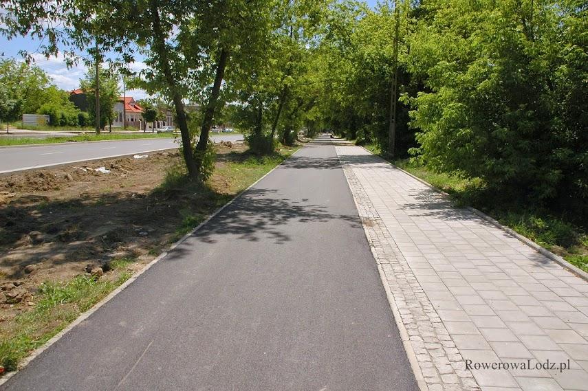 Gotowe rowerówka i chodnik.