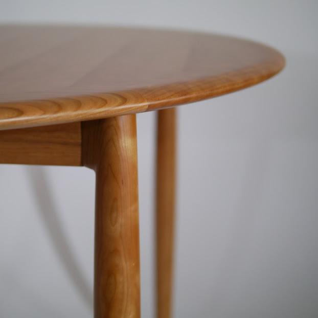 ユニバースラウンドテーブル:角上