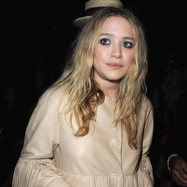 With her profile reading an actress, fashion designer, author, producer and businesswoman, let's just refrain talking about Mary-Kate Olsen's riches. The most vital part here is that she is single!