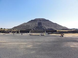 Teotihuacan, site archéologique pré-colombien, situé au nord de Mexico. Ici le temple du soleil.