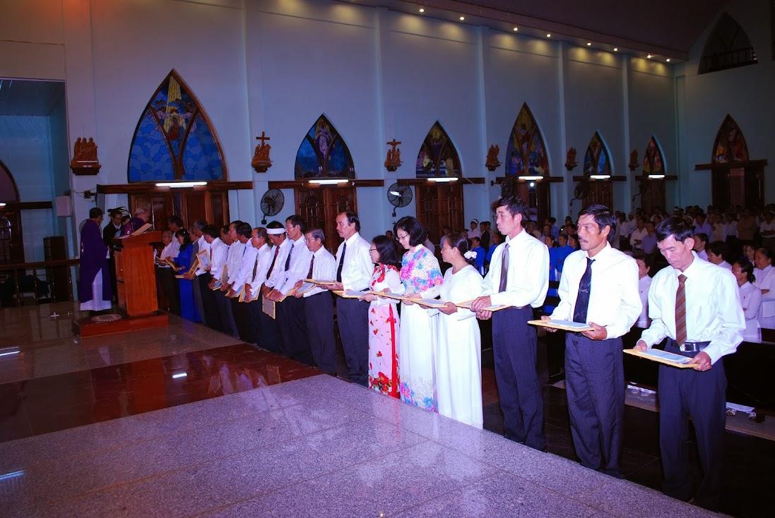 Hội đồng Giáo xứ Tân Hội tuyên hứa và nhận chứng thư