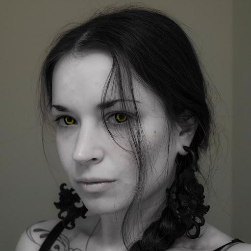 Danielle Deslauriers Photo 6