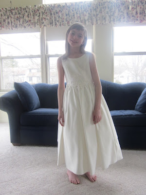 Girls White Applique and Beaded Dress Size 8