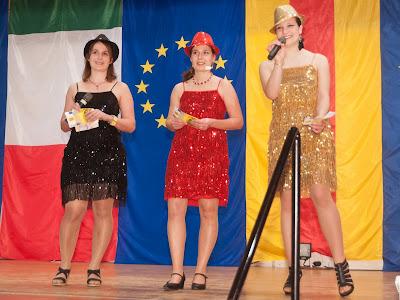 Das charmante Moderatorinnen-Trio