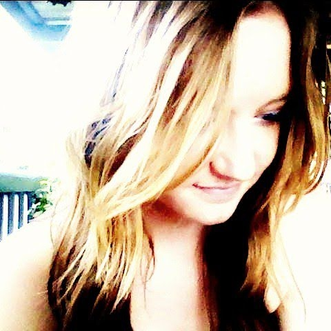 Ellie Jensen Photo 5