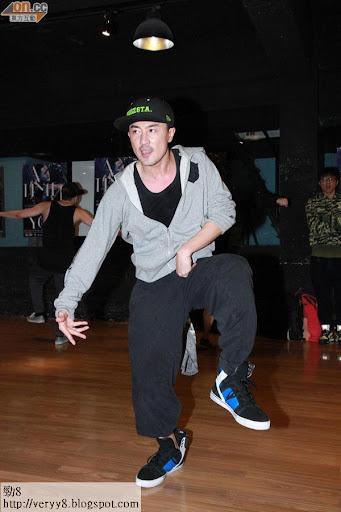 林峰為個唱苦練舞功。