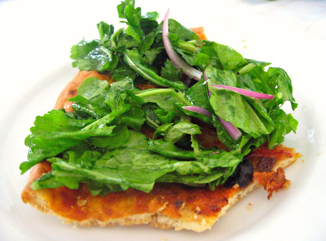 Salad Pizza – Arugula and Margherita