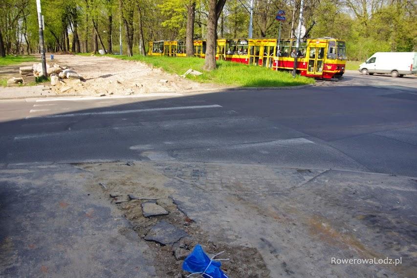 Przyszły przejazd przez skrzyżowanie z ul. Kniaziewicza.