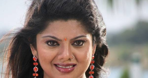 Swathi Verma Mallu Aunty Hot Sexy Pics Photos Saree Stills -9496