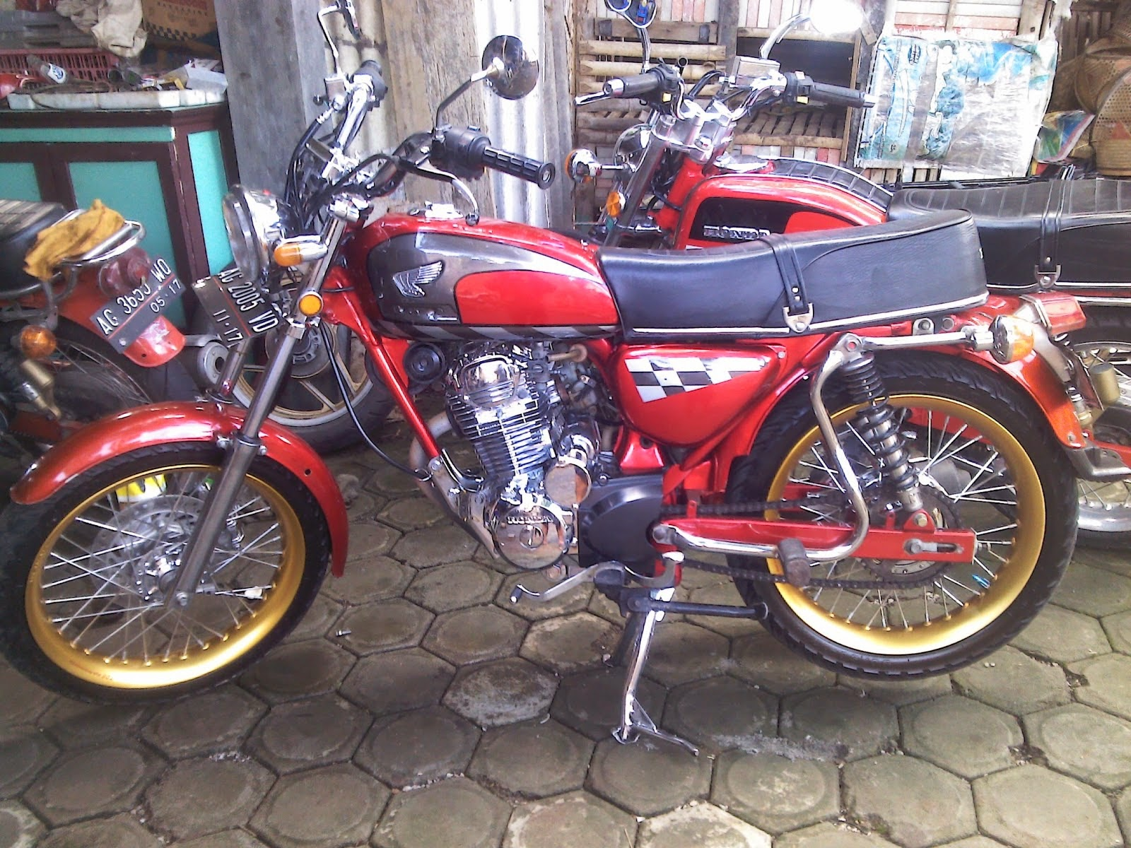 Download Kumpulan 92 Foto Modifikasi Motor Cb Dream Terupdate Fire