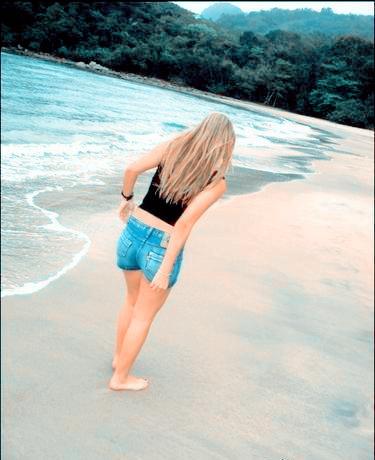 Fakes De Meninas Na Praia