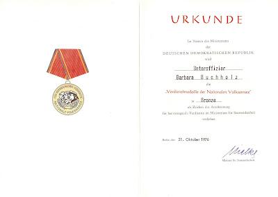 147g Verdienstmedaille der Nationalen Volksarmee in Bronze www.ddrmedailles.nl