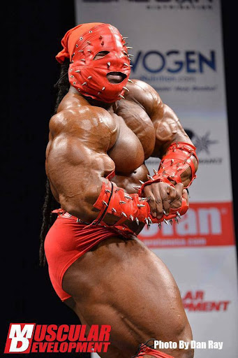 Kai%20Greene%20posing%20at%20the%202013%20NPC%20Atlantc%20States%20