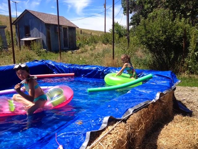 De kuleste hjemme lagde bassengene noensinne side 2 av 2 for Hay bail pool