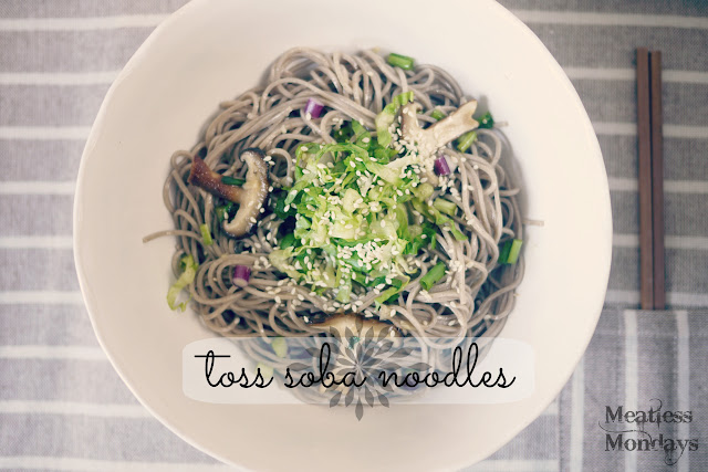 toss soba noodles // mono+co
