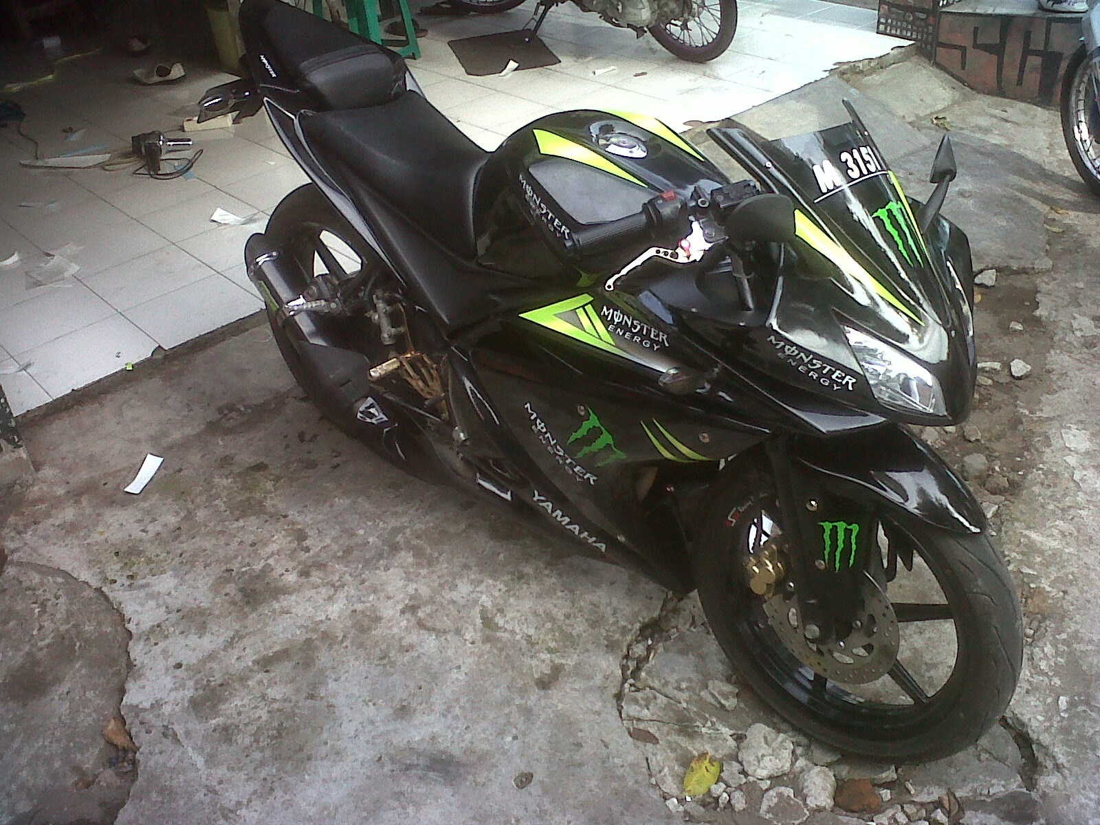 Home Modifikasi New Vixion Street Fighter